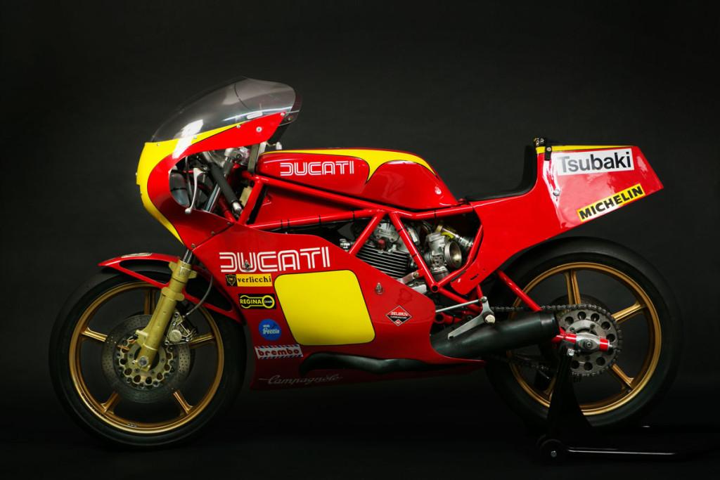 Ducati TT2, 1982, questa moto ha gareggiato nel campionato italiano Velocità e Endurance classificandosi prima in varie gare, tra cui la 500Km di Vallelunga con i Piloti Mario Sakamoto e Massimo Brutti, è un conservato moto bello e raro.