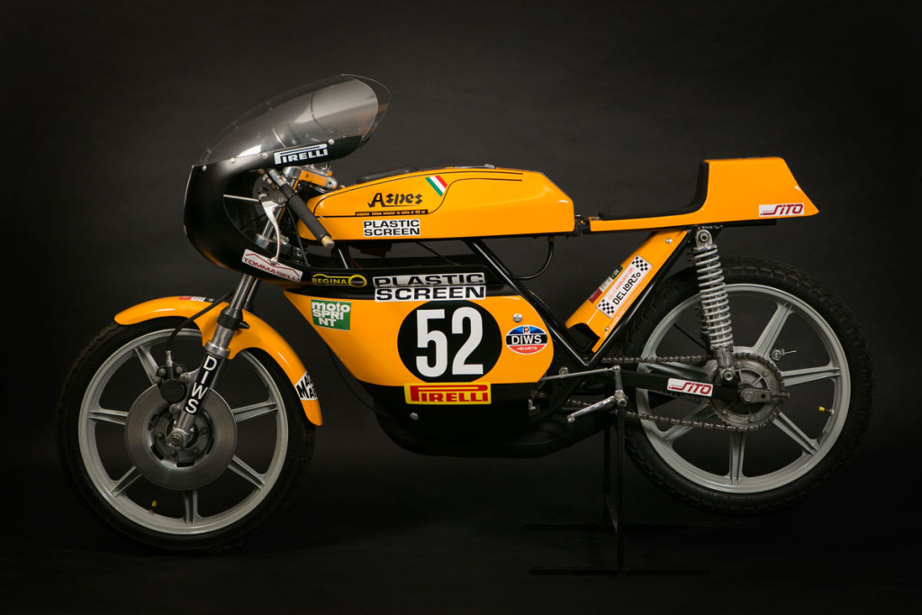 Aspes Criterium 1977, con questa moto il pilota Fiorentino Guido Valli ha conquistato il Primo Trofeo monomarca Aspes disputandosi con gare in pista e anche in Salita. In questa categoria sono usciti campioni del calibro di Valli, Reggiani, Gresini, e molti altri.